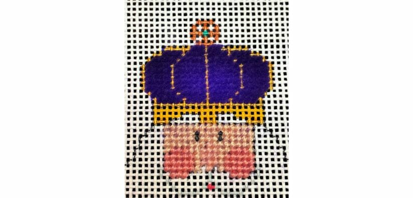Mardi Gras Santa's crown is stitched in Petite Very Velvet thread from Rainbow Gallery.